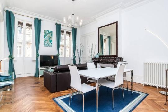 architectes projet proj 8100 cat 8. Black Bedroom Furniture Sets. Home Design Ideas