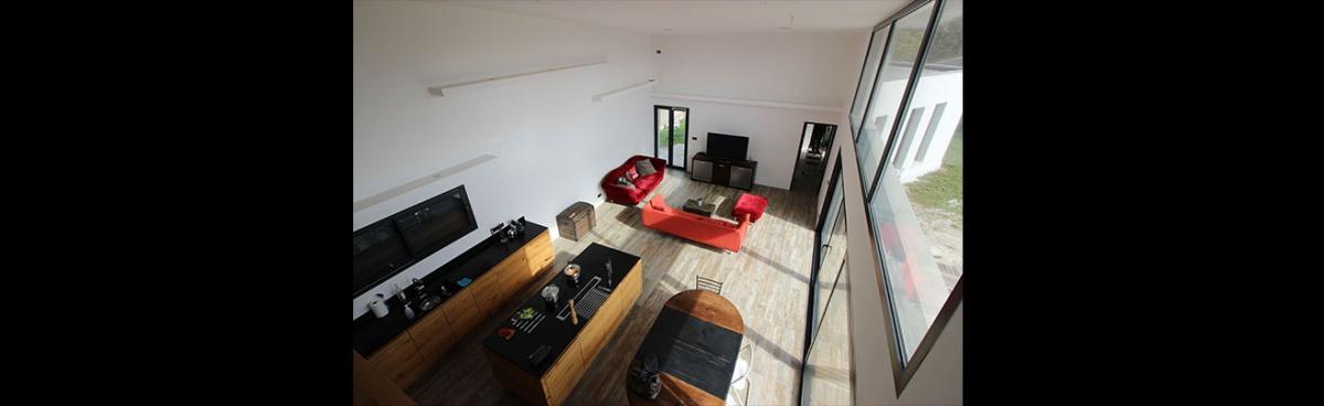 Construction d'une maison contemporaine à toit terrasse et monopente en zinc : maison-contemporaine-toit-terrasse-monopente-zinc-9