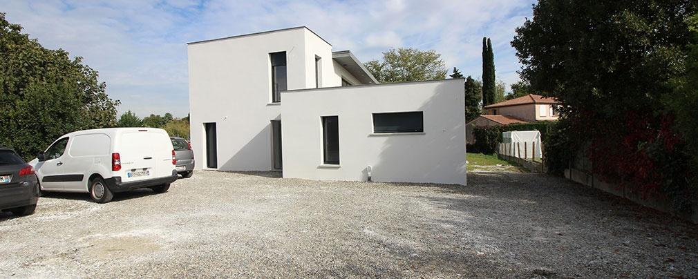 Construction d'une maison contemporaine à toit terrasse et monopente en zinc : maison-contemporaine-toit-terrasse-monopente-zinc-13