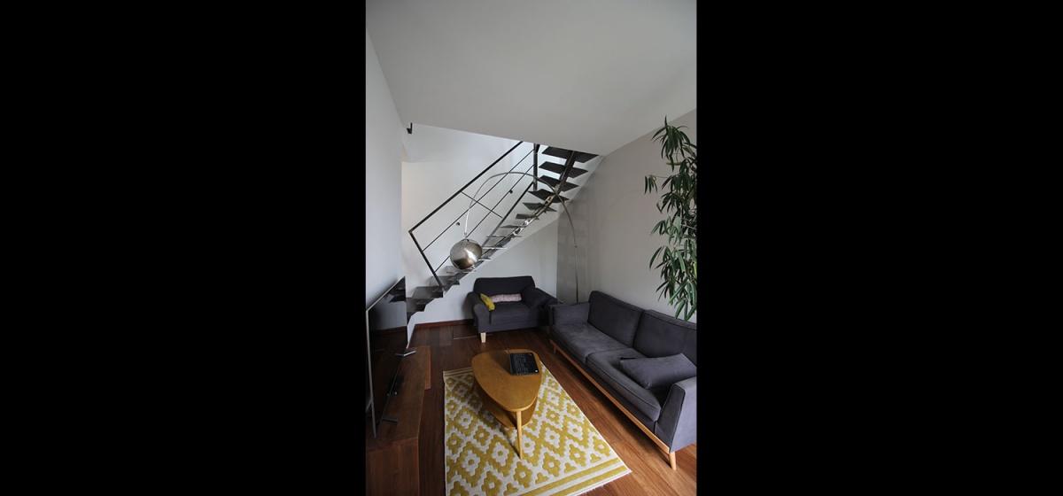 Maison à passerelle vitrée : maison-contemporaine-architecte-fenetre-trapeze-toulouse-9