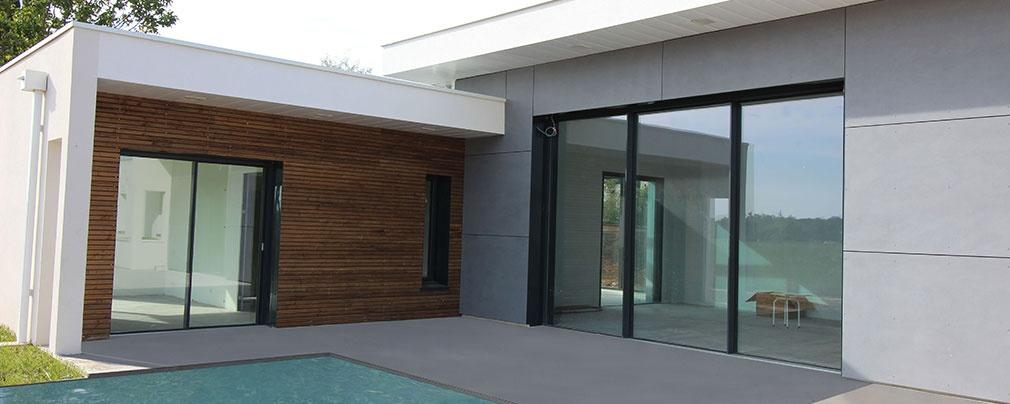 Maison contemporaine à toits terrasses avec un mix béton - bois ...