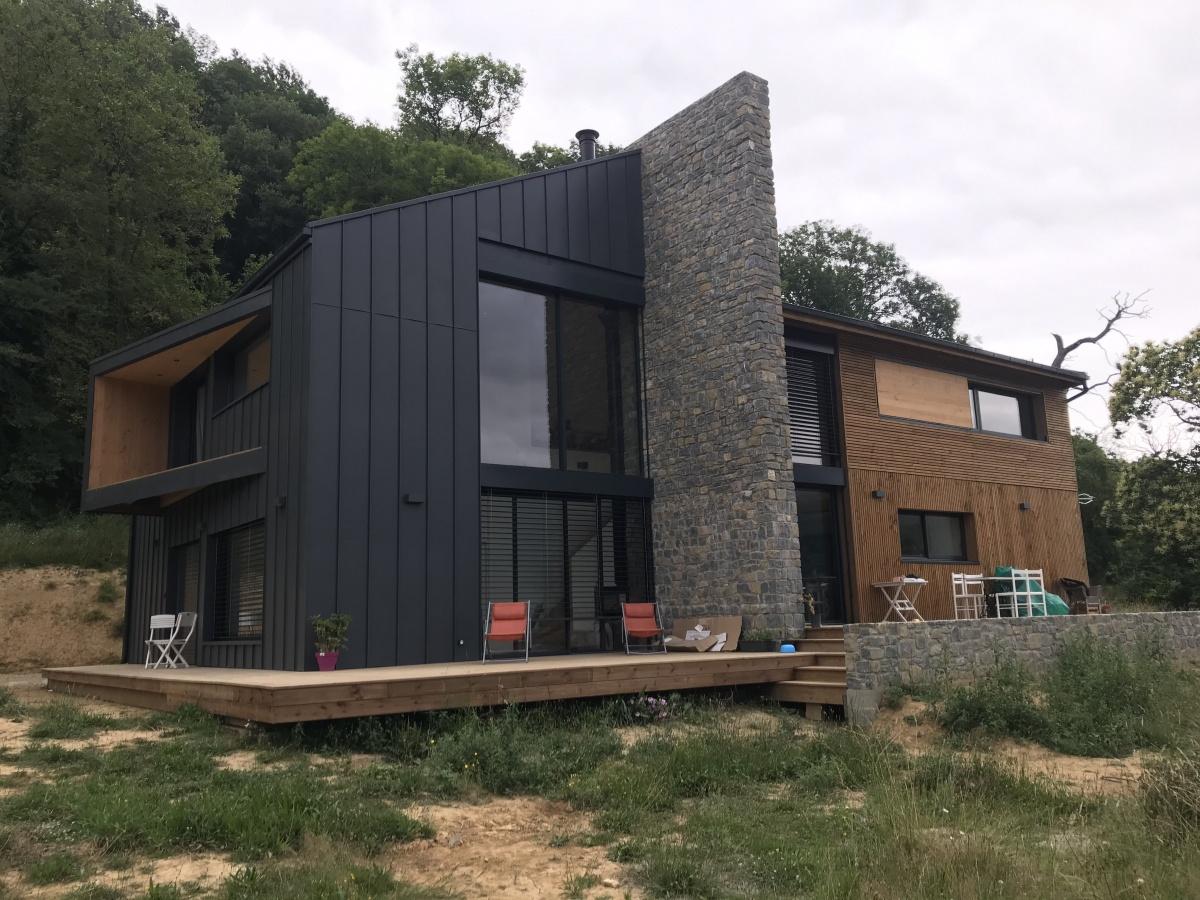 Construction d'une maison individuelle ossature bois BBC