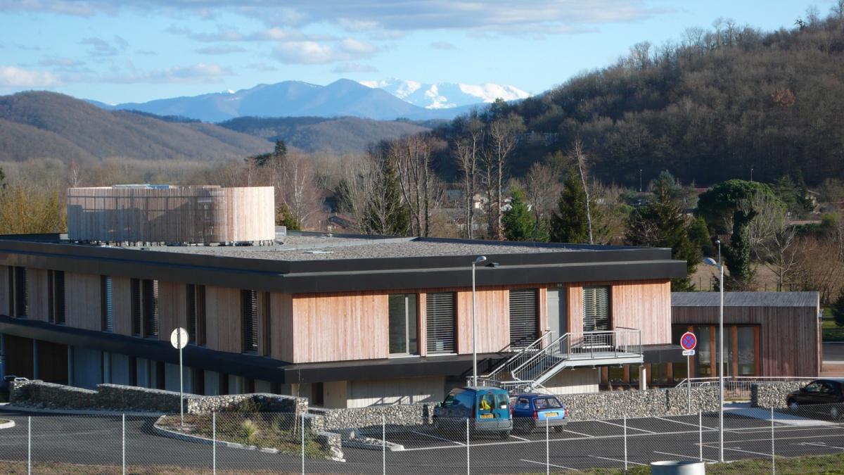 Construction d'un hôtel communautaire & des ateliers techniques