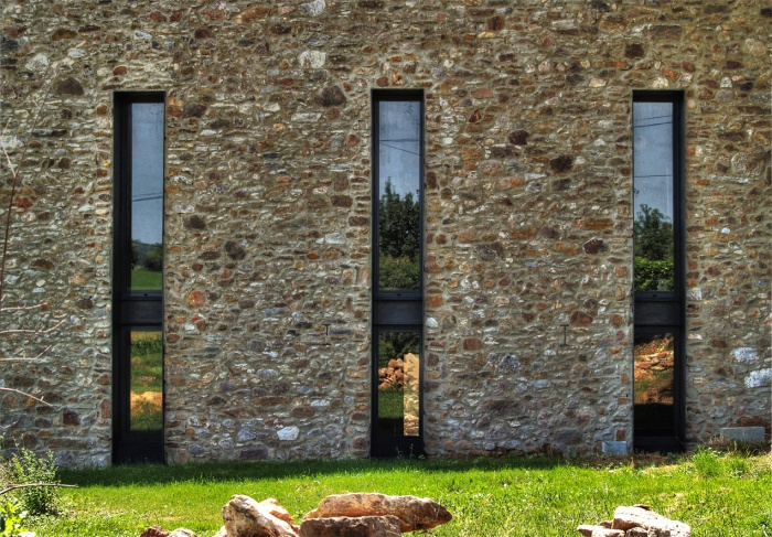 transformation d 39 une grange en habitation lagu pie une r alisation de nicolas san. Black Bedroom Furniture Sets. Home Design Ideas