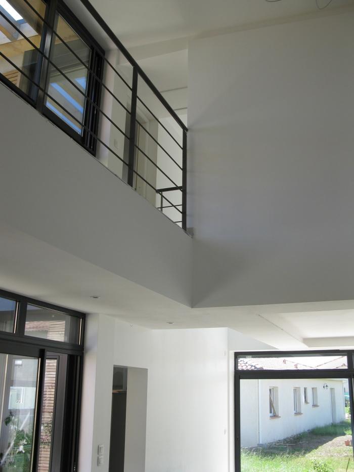 Maison bioclimatique t.h.p.e. : intérieur