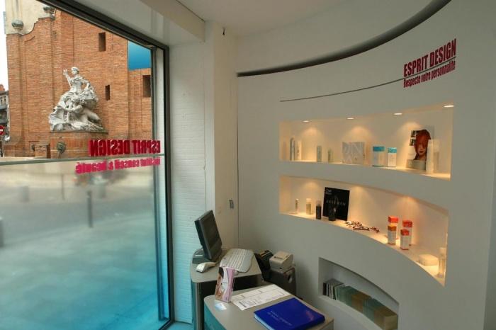 Am nagement salon de coiffure et centre de beaut r alis toulouse une r alisation de - Amenagement salon de coiffure ...