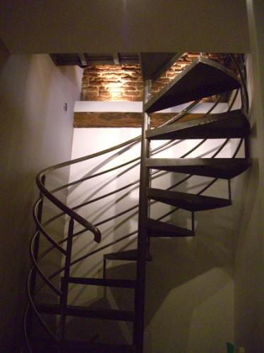 escalier bas.jpg
