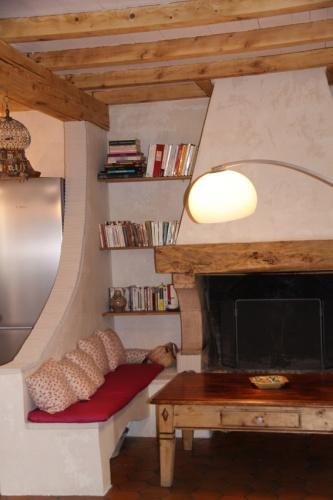 r novation espace cuisine s jour dans vieille ferme l 39 esprit rustique eaunes une. Black Bedroom Furniture Sets. Home Design Ideas