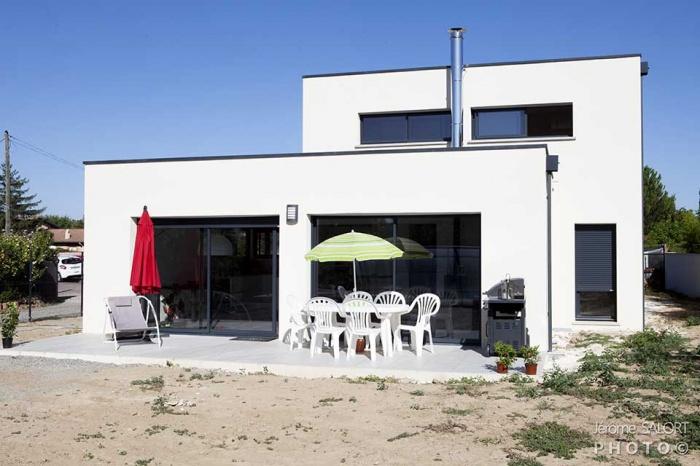Cuisine Moderne En L : Description  Corps de ferme de 200m² partiellement rénové et