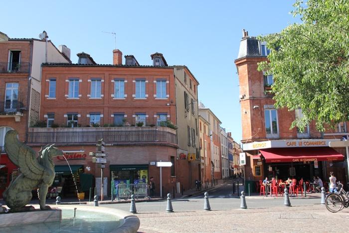 Surélévation Toulouse - Place Dupuy.JPG