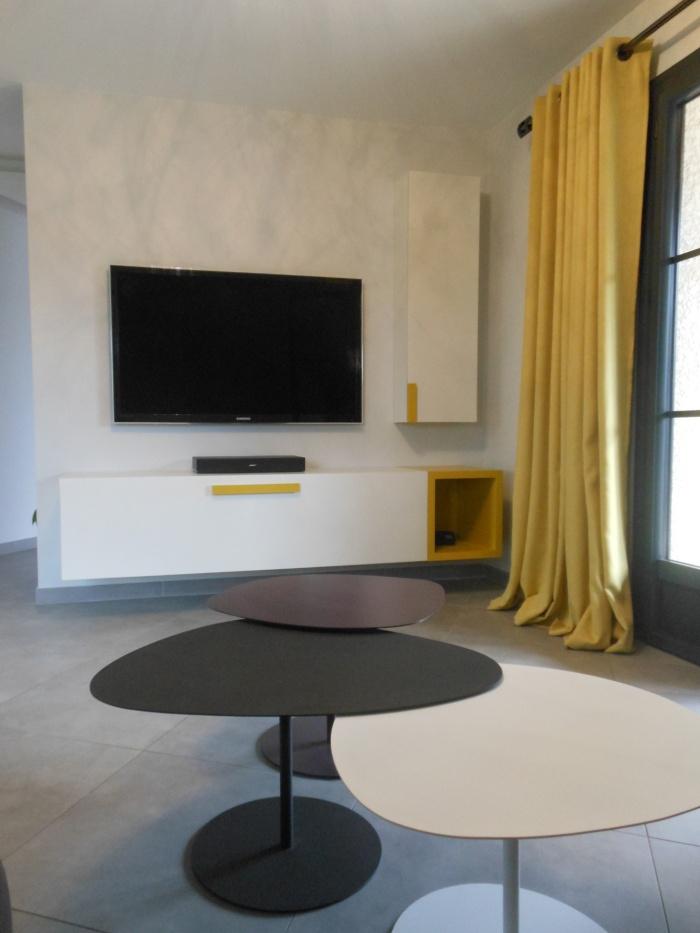 Aménagement salon et mobilier sur mesure : DSCN2674.JPG