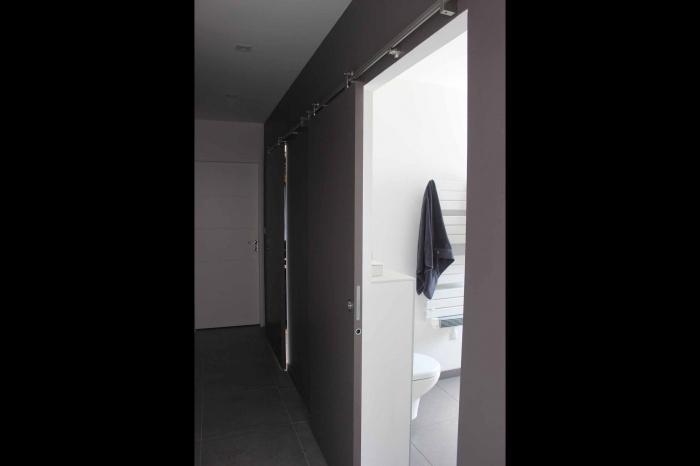 Maison cocon de plain pied : maison-contemporaine-lumineuse-de-plain-pied-8