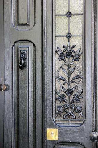 Maison C1 : porte rénovée.JPG