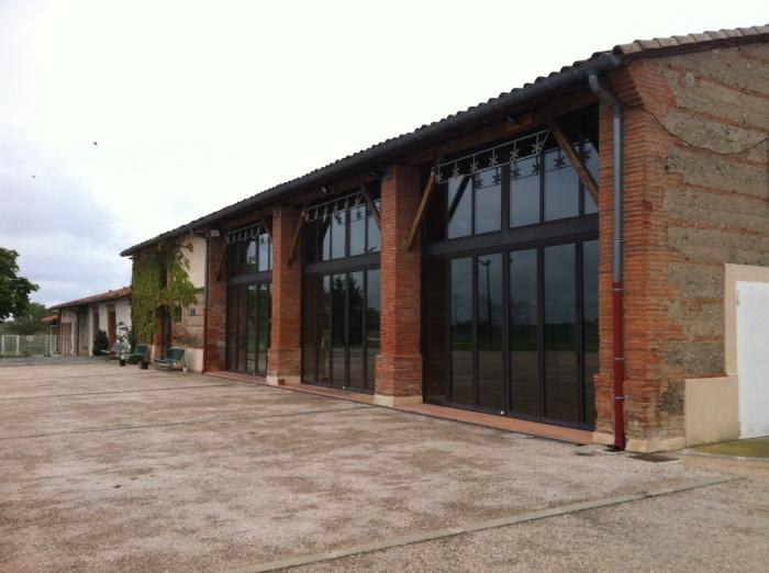 Architectes transformation d 39 une grange en for Renovation hangar en habitation