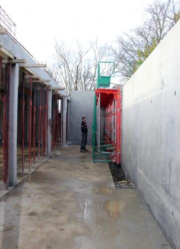 concrete house (1).JPG