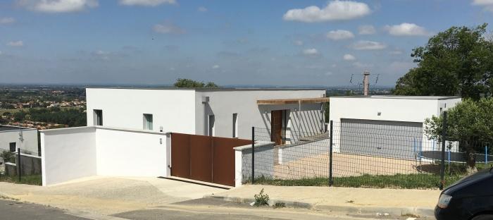 Maison sur un terrain en pente : IMG_0466