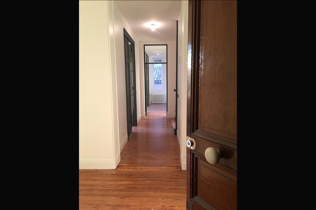 Rénovation d'un appartement 19ème et création d'un duplex : nouvelle entrée