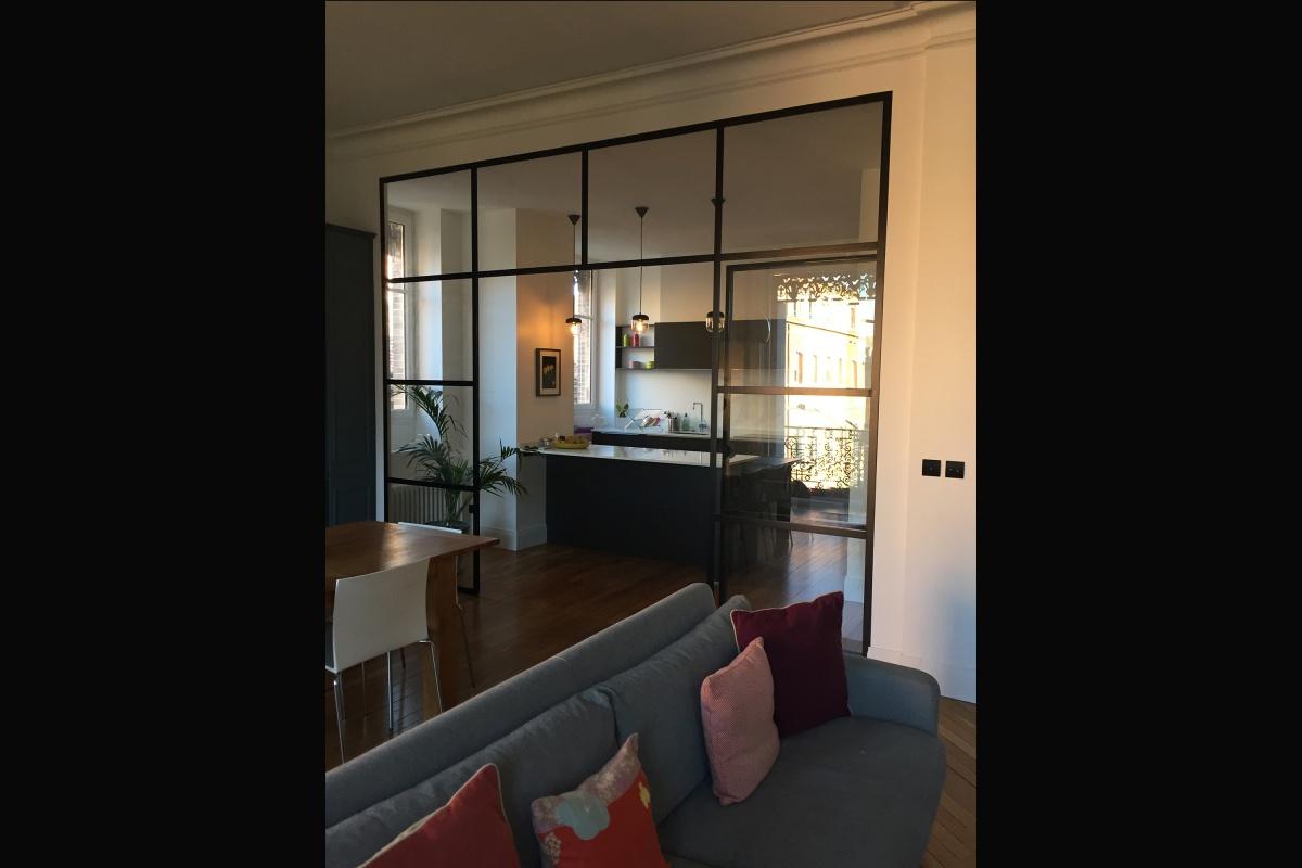 Rénovation d'un appartement 19ème et création d'un duplex : salon vers cuisine bis